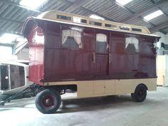 Rv Campers, Camper Trailers, Camper Van, Travel Trailers, Gypsy Caravan, Gypsy Wagon, Shepherds Hut, Gypsy Life, Small House Design