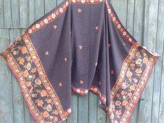 Vintage blue Pashmina shawl. Wool Shawl by VictoryShopVintage