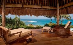 Nihiwatu Resort (Sumba, Indonésie) : voir les tarifs, 7 avis et 538 photos Luxury Beach Resorts, Hotels And Resorts, Outdoor Areas, Great View, Hotel Reviews, Oh The Places You'll Go, Trip Advisor, Photos, Patio