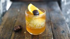 Eight Great Old Fashioned Recipe Riffs | VinePair Bourbon Old Fashioned, Old Fashioned Drink, Old Fashioned Recipes, Old Fashioned Cocktail, Sweet Cocktails, Whiskey Cocktails, Cocktail Recipes, Most Popular Cocktails, Old Fashion Cocktail Recipe