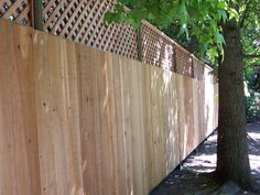 Butted board fence with Diagonal Lattice