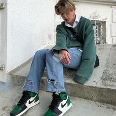 Discover recipes, home ideas, style inspiration and other ideas to try. Indie Outfits, Retro Outfits, Boy Outfits, 90s Outfit Men, Casual Guy Outfits, Fashion Outfits, Teen Guy Fashion, Indie Fashion, Skater Boy Style