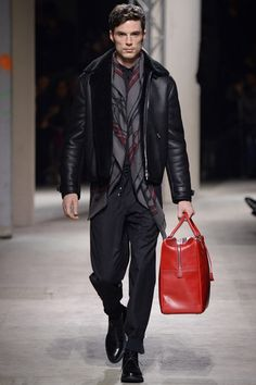 Hermès Fall 2014 Menswear Collection Slideshow on Style.com