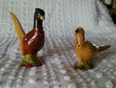 Vintage Rosemeade Pheasant Rooster & Hen Salt and Pepper Shakers great condition