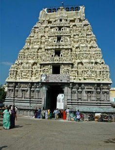 Magnificent temples of India Ramanathaswamy Temple, Temple India, Indian Temple, Hindu Temple, Temple Architecture, Indian Architecture, Beautiful Architecture, Hindus, Hindu Worship