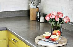 Think concrete is too difficult to deal with? These easy DIY tutorials will prove otherwise! Take a look
