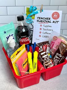 Cute Teacher Survival Kit Gift Idea (with FREE Printable Gift Tag!)