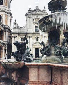 Winter's Beauty. ❤  ❤ ❤  #SanctuaryofLoreto #piazzadellaMadonna #January2017 #frozen #fountain #winter #ice #January #winter2017 #SantuariodiLoreto #Inverno2017 #freddo #ghiaccio #fontana #MadonnadiLoreto #OurLadyofLoreto #NuestraSeñoradeloreto #VirgendeLoreto #invierno2017 #hielo #fuente #Loreto #Loretoturismo #destinazioneMarche #RivieradelConero  (ph by Yaroslava Bogorodskaya)