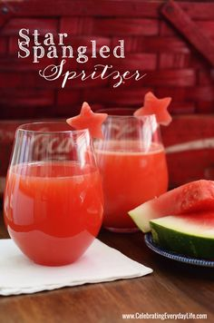 Star Spangled Spritzer {July 4th Holiday Cocktail Recipe} from Celebrating Everyday Life blog