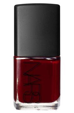 Click through to see Lauren's favorite seasonal nail polishes…