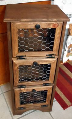 Potato Storage Bin Chicken Wire Flat Top by Colorfulimpressions