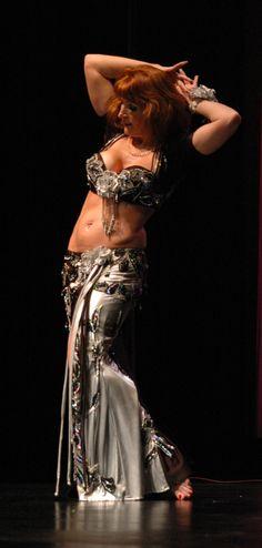 Jasmin Jahal at Chicago Shimmyfest 2011