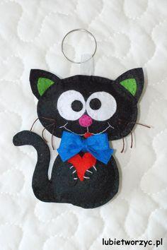 Cause who doesn't love cats, right? Especially those made of felt ;)  #instrukcja #instruction #handmade #rekodzielo #DIY #handcraft #craft #lubietworzyc #howto #jakzrobic #instrucción #artesania #声明 #filc #felt #fieltro #毛氈 #kot #cat #gato #猫