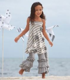 Can't get enough of this girly fashion!  I could pin too much from this site.