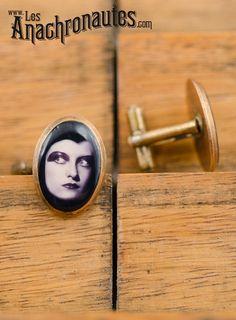 Joan Crawford, brass cufflink  www.lesanachronautes.com