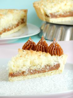 Tarta de coco y dulce de leche Pie Recipes, Sweet Recipes, Cookie Recipes, Pan Dulce, Healthy Desserts, Fun Desserts, Food Cakes, Cupcake Cakes, Sugar Free Carrot Cake
