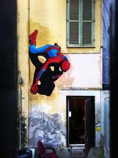 Spider-Man - Street art by Solo, Italy °° 3d Street Art, Street Artists, Graffiti Art, Spiderman Drawing, Wedding Invitations With Pictures, Urbane Kunst, Pop Art, Halloween Decorations, Diy Halloween