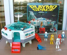A toy space station with a very Star-Trek-looking crew and ship, from the early Playmobil line 1980s Toys, Retro Toys, Childhood Toys, Childhood Memories, Gi Joe, Playmobil Toys, Vintage Space, Vintage Art, Cinema Posters