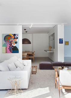 a carioca gisele taranto mostra como se faz arquitetura para abrigar uma incrível coleção de arte, em um espaço generoso e com jardim originalmente assinado por burle marx.