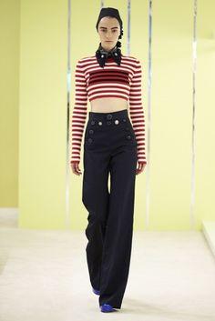 MARINHEIRA NEWGEN O estilo náutico contemporâneo não é nada literal, mesmo apostando nas listras Marc Jacobs