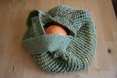 Cute and economical!  It takes less that 300 yards of yarn, too! *Free pattern via ravelry