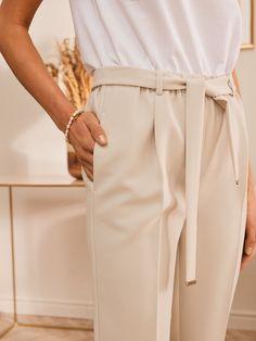 ELEGANCKIE BEŻOWE SPODNIE Khaki Pants, Model, Fashion, Moda, Khakis, Fashion Styles, Scale Model, Fashion Illustrations