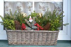 Woodland Christmas, Winter Christmas, Christmas Window Decorations, Theme Noel, Winter Scenes, Advent, Creations, Diy, Windows