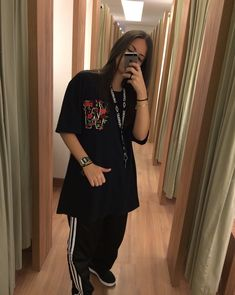 Tá perdida? segue nós @Saturno Tomboy Outfits, Teenage Outfits, Tomboy Fashion, Retro Outfits, Grunge Outfits, Cool Outfits, Fashion Outfits, Grunge Girl, Girl Inspiration