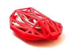 Keep your earbuds from tangling with this ergonomic earbuds holder 3d Printing Diy, 3d Printing Service, Iphone Headphones, 3d Printer Designs, 3d Cnc, Sculpture Projects, 3d Prints, Diy Electronics, Tech Accessories