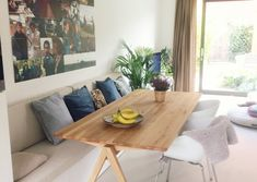 The post appeared first on Esszimmer ideen. The post appeared first on Esszimmer ideen. The post appeared first on Esszimmer ideen. The post appeared first on Esszimmer ideen. Dinning Room Bench, Dining Sofa, Kitchen Benches, Oak Dining Table, Dining Room Design, Family Room Design, Cozy Living Rooms, Home And Living, Living Room Furniture