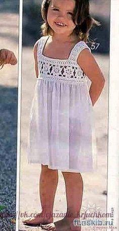 Delicacies in crochet Gabriela: Girl dress yoke - Babykleidung Crochet Dress Girl, Crochet Girls, Crochet For Kids, Crochet Clothes, Crochet Toddler Dress, Crochet Yoke, Crochet Fabric, Easy Girls Dress, Little Girl Dresses