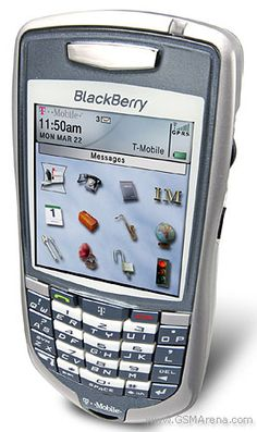 Blackberry Pearl, Concept Phones, Old Technology, High Resolution Picture, Smartphone, Gadget, Keyboard, Police, Barbie