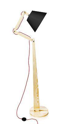Firma LIGHTWOOD jako producent oświetlenia w swojej ofercie zawiera lampy podłogowe, stojące, sztalugowe wykonane drewna oraz lampy tripod.