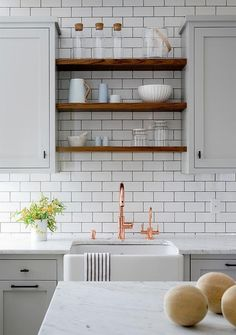 Amazing Modern Farmhouse Kitchen Cabinets Decor Ideas - Page 53 of 55 Kitchen Sink Lighting, Kitchen Sink Design, Kitchen Cabinets Decor, Farmhouse Kitchen Cabinets, Cabinet Decor, Modern Farmhouse Kitchens, Kitchen Shelves, Wood Shelves, Kitchen Backsplash