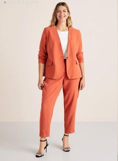 Flowy suit blazer - Plus sizes Plus Size Suits, Plus Size Blazer, Plus Size Women, Curvy Outfits, Cool Outfits, Chic Office Outfit, Chubby Fashion, Looks Plus Size, Blazer Outfits