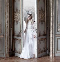 Robe de mariée 2017 : une robe à manches longues en dentelle Margaux Tardits…