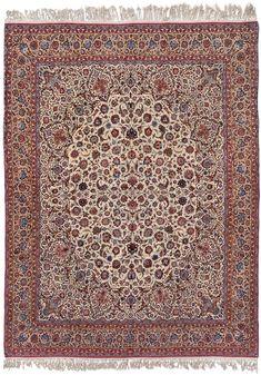 Schuler Auktionen Zürich  |  Isfahan Z-Iran, um 1920  302x395 cm (ft. 10x13).