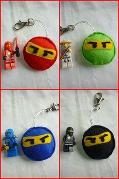 Aqui estão os porta-chaves para os rapazes!   Este foram feitos em feltro.         O bolo escolhido pelo meu filho é da Ninjago  da Lego...