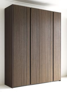Wooden wardrobe custom NAICA Wardrobe Collection by Lema Wardrobe Design Bedroom, Bedroom Cupboard Designs, Bedroom Cupboards, Master Bedroom Design, Decor Interior Design, Interior Styling, Furniture Design, Wardrobe Cabinets, Wardrobe Doors