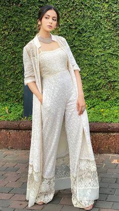 Party Wear Indian Dresses, Designer Party Wear Dresses, Indian Gowns Dresses, Indian Bridal Outfits, Dress Indian Style, Indian Fashion Dresses, Prom Dresses, Western Dresses For Girl, Stylish Dress Designs