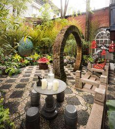 2017 Kips Bay Decorator Show House Patio by Janice Parker Landscape Architects Garden Art, Garden Design, Garden Ideas, Kips Bay Showhouse, Outdoor Living, Outdoor Decor, Outdoor Areas, Garden Inspiration, Beautiful Gardens
