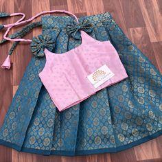 Girls Frock Design, Baby Dress Design, Baby Girl Dress Patterns, Kids Frocks Design, Baby Frocks Designs, Stylish Dresses For Girls, Cute Outfits For Kids, Little Girl Dresses, Silk Image