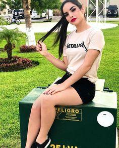 Kim Loaiza Camila Lopez, Cute Youtube Couples, Photos Tumblr, Baby Shark, Picture Poses, Bff, Sexy, Casual, Photography