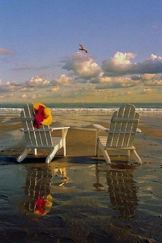 I love this Adirondack chairs in the beach! I just love the ocean and the beach! Playa Beach, Ocean Beach, Beach Art, Ocean Pics, Nature Beach, Beach Room, I Love The Beach, Nice Beach, Romantic Beach