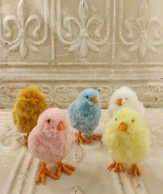 Pom-Pom Chicks from The Holiday Barn