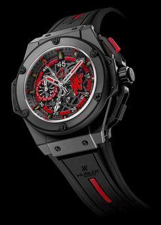 Les presentamos la nueva joyita de Hublot.  Se trata de un reloj dedicado al glorioso equipo inglés Manchester United, que responde al nombre de: King Power Red Devil.