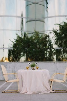 rooftop dinner for two #simpledecor #rooftopdinner #weddingchicks http://bit.ly/1hWX5m0