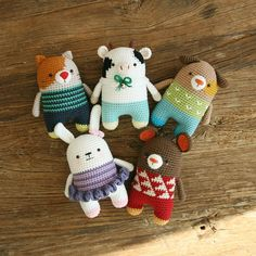 This is a crochet pattern in PDF – NOT the dolls in the picture! *Recommended for those who can understand SYMBOL PATTERNS. (In written pattern it does not have any instruction of changing yarn color.) SKILL LEVEL -INTERMEDIATE LANGUAGES -ENGLISH SIZE -15cm (5.9inch) if using fingering