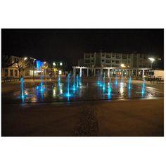 OASE FRANCE : Découvrez à Saint-Palais-sur-Mer (17) une fontaine et des jets d'eau équipés de spots LED ProfiPlane 320 OASE classés IP 68, une réalisation de la Société Arrolimousin. Réduire la consommation d'énergie est un enjeu financier et environnemental. Dans cette perspective la gestion de l'eau et de l'électricité sont des questions essentielles. Ainsi, en matière de fontainerie et d'éclairage, OASE propose plusieurs solutions aussi fonctionnelles qu'économiques…