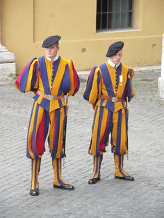 Swiss guards at the Vatican Swiss Guard, Cultural Diversity, Vatican, Fancy, Culture, Photos, Style, Fashion, Swag